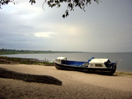 boat-on-beach-lake-mweru